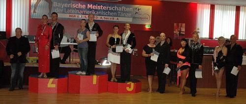 Siegerehrung SENIOREN I A, 4. von links Birgit und Jens Petersen (Foto: LTVB, Patrick Keller)